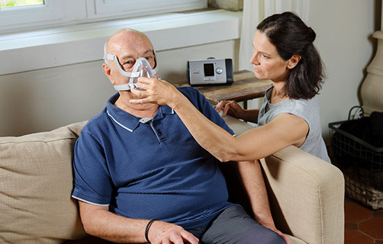 home-noninvasive-ventilation-COPD-doctor-patient